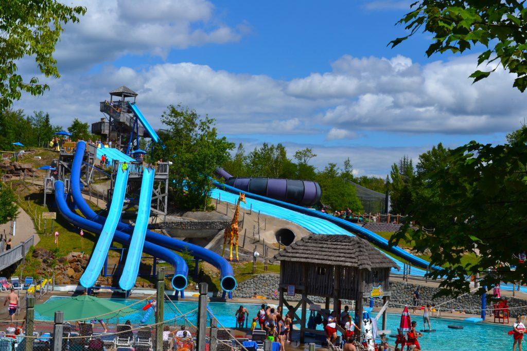 image of multiple water attractions, such as KILLERMANJARO, LAKE NAKURA,BOMBAY BLASTERS and SERENGETI SURF HILL